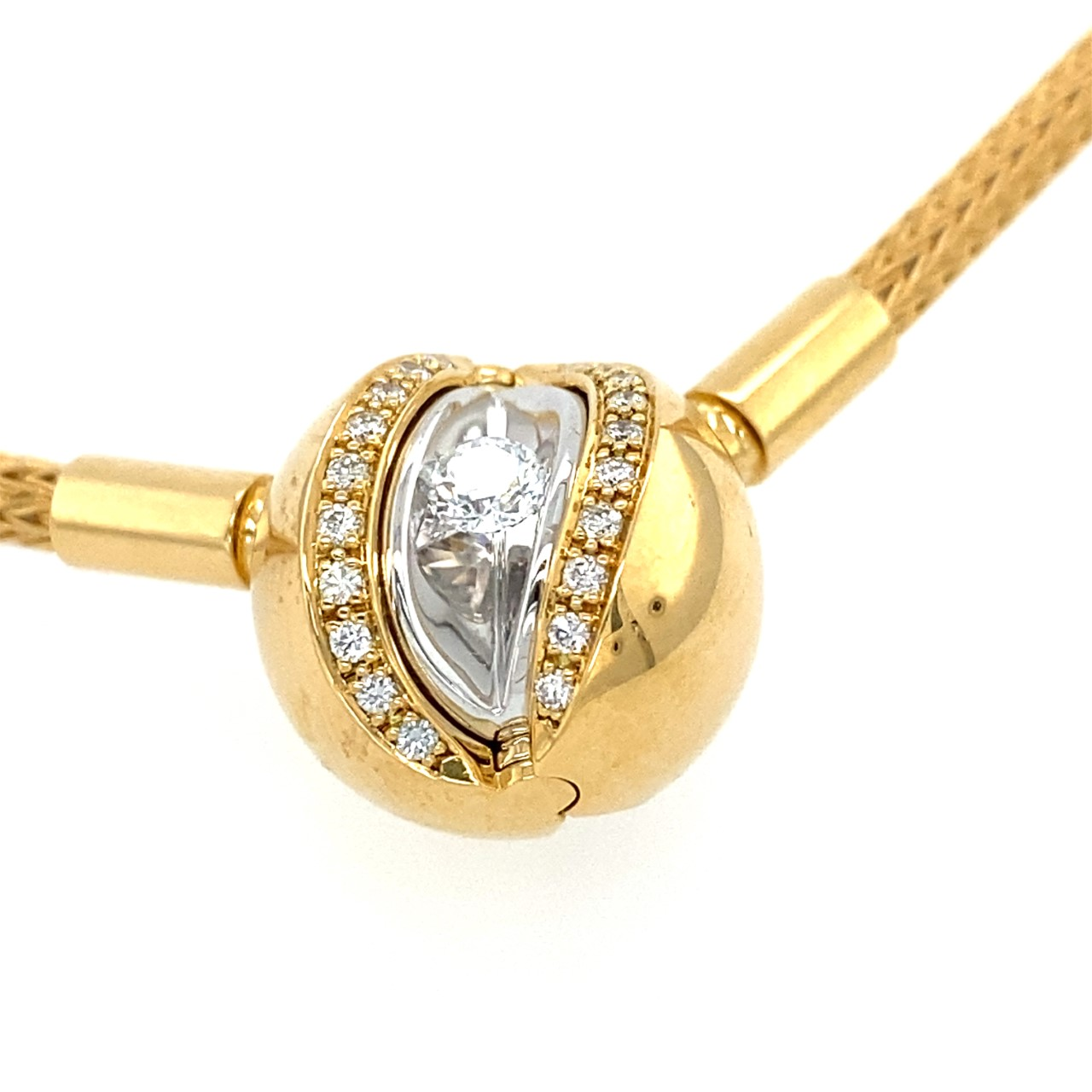 Changeable Gold Pendant with Diamonds and Pearl